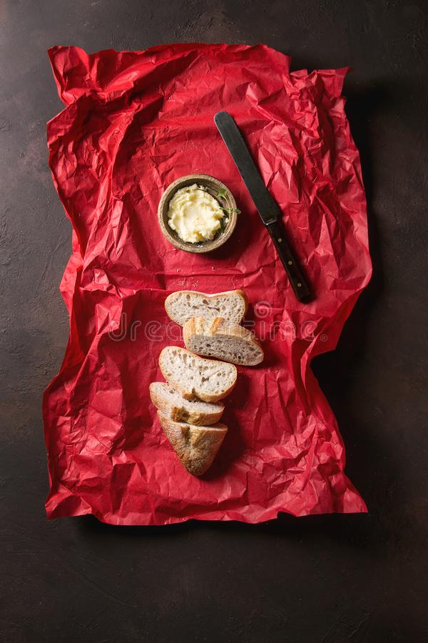 Pokrojony rzemieślnika chleb zdjęcie stock