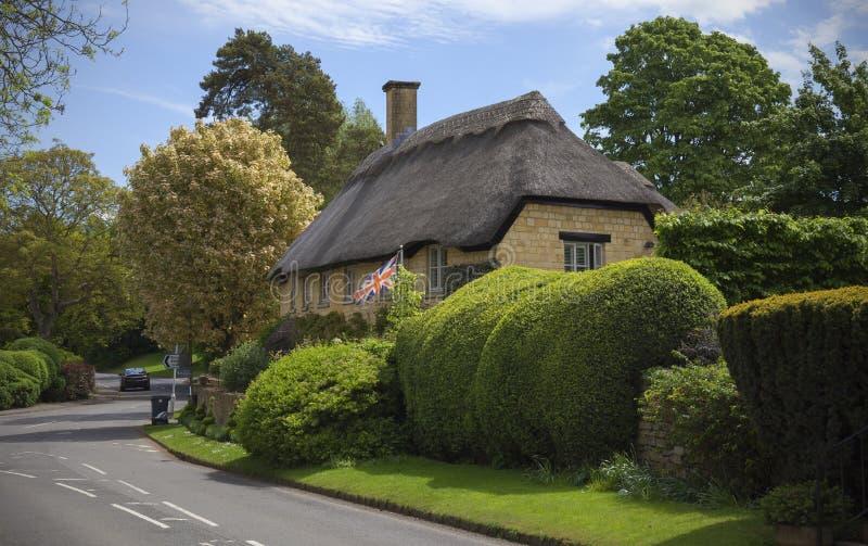 Pokrywająca strzechą Cotswold chałupa, Szczerbi się Campden, Gloucestershire, Anglia obraz royalty free
