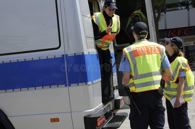 POLÍCIA ALEMÃO OFFICERS_DEUSTCHE POLIZEI fotos de stock