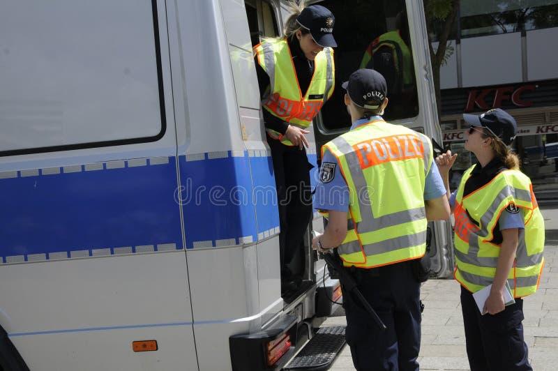 POLÍCIA ALEMÃO OFFICERS_DEUSTCHE POLIZEI foto de stock