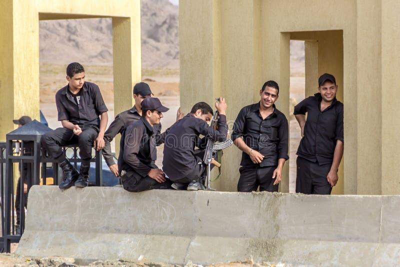 Polícia militar do governo egípcio fotos de stock