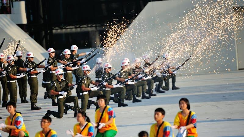 Download Polícia Militar Que Executa Brocas Da Precisão Imagem de Stock Editorial - Imagem de faísca, naturalize: 26521734