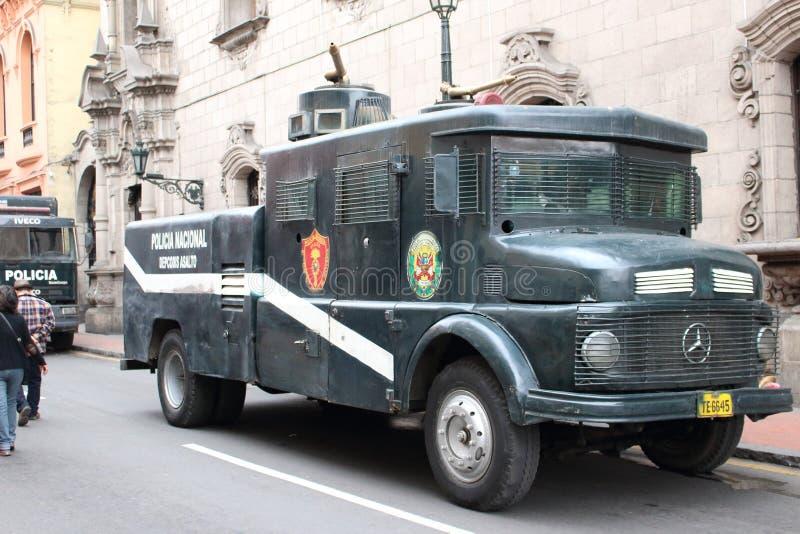 A polícia peruana velha transporta imagens de stock