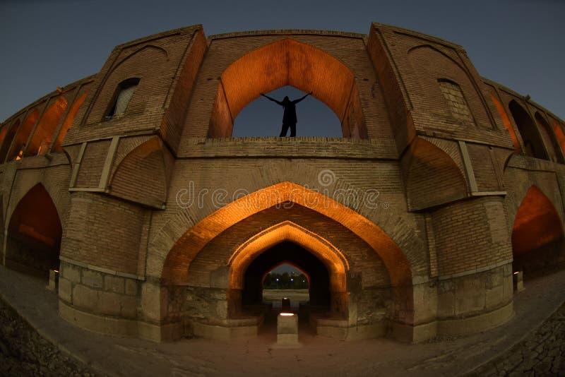 Político do si-o-seh, ponte de Khajoo no por do sol em Esfahan, Irã 14 de setembro de 2016 fotografia de stock royalty free