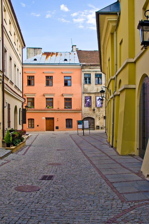 Polônia de Lublin, rua velha da cidade com as fachadas coloridas da casa imagens de stock royalty free