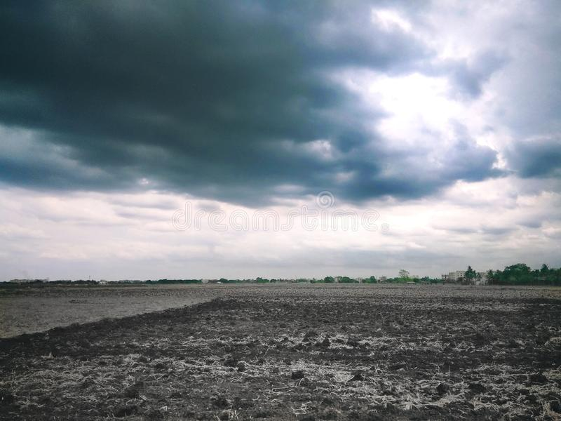 Pola i chmury zdjęcie stock