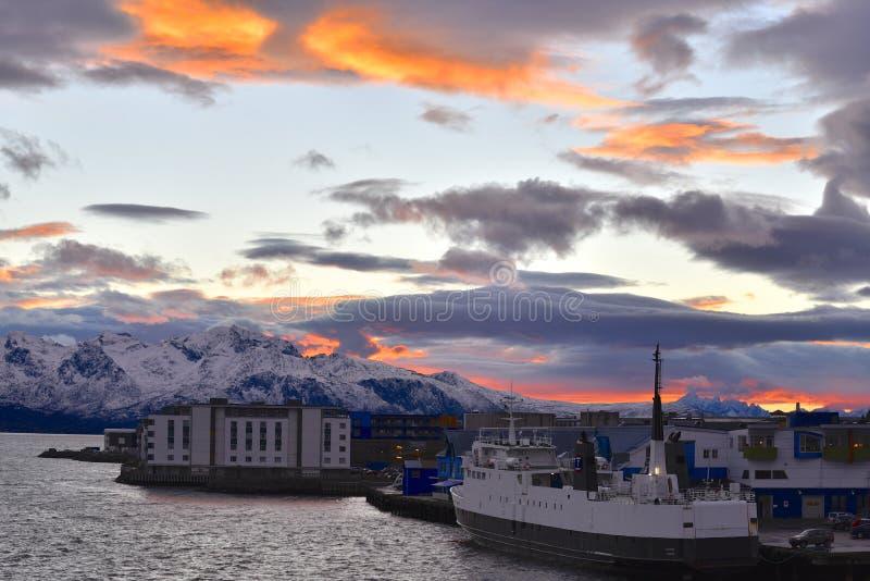 Polaire nacht in Sortland, Noorwegen stock fotografie