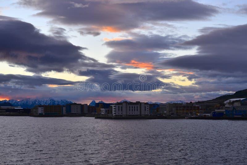 Polaire nacht in Sortland, Noorwegen stock afbeeldingen