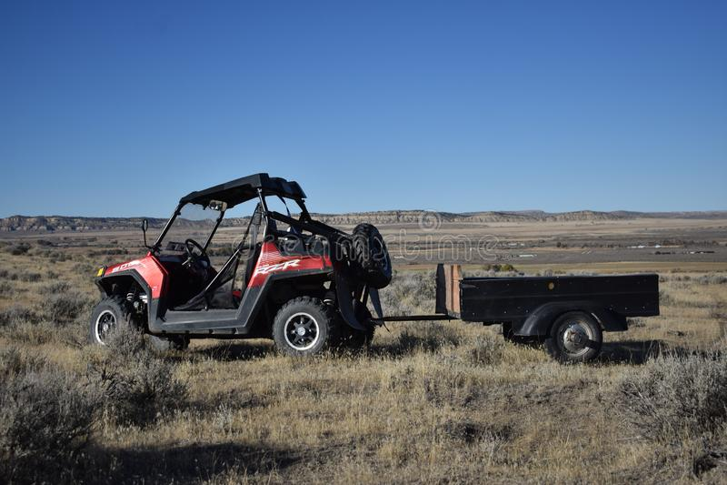 Polaris RZR em Thermopolis, Wyoming imagens de stock