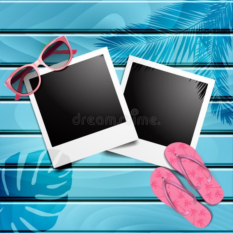 Polaroid rama na błękitnym drewnianym tle z plażowymi elementami wektor royalty ilustracja