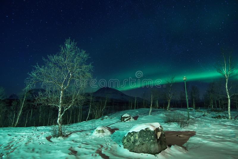 Polart landskap med norrsken royaltyfria foton