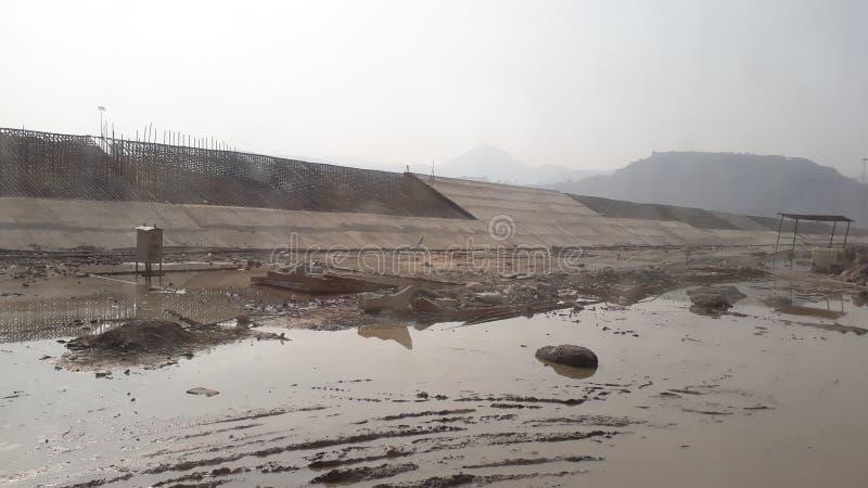 Polavaram, Andhra Pradesh/India - December vijfentwintigste 2018: De nationale Dam van projectpolavaram in aanbouw op Godhavari-r stock foto