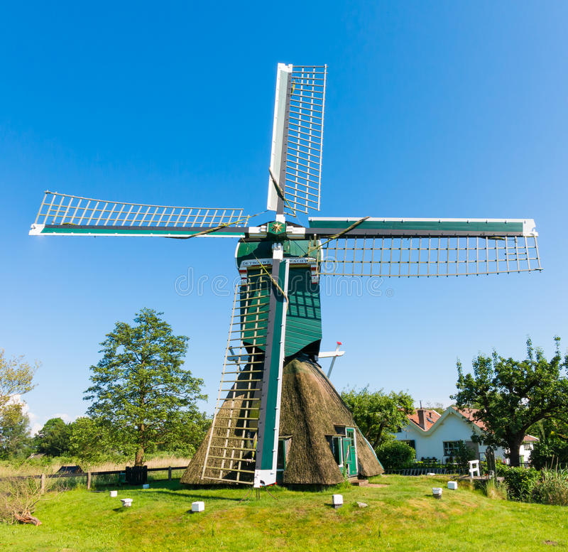 Poldermühle in Tienhoven, die Niederlande lizenzfreie stockfotos