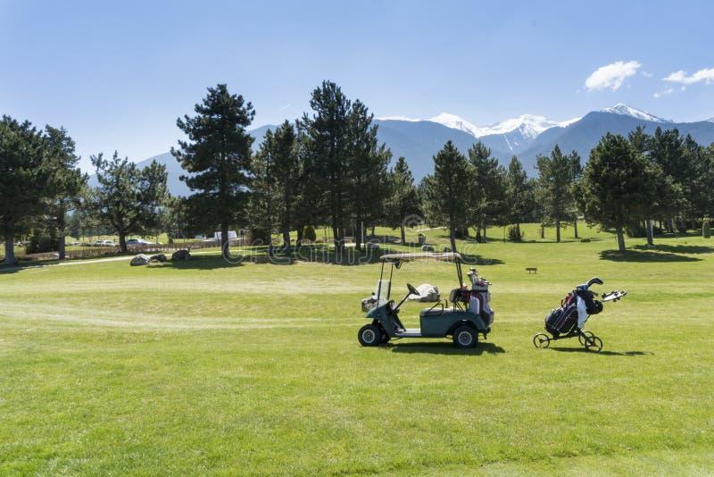 Pole golfowe z furą fotografia stock