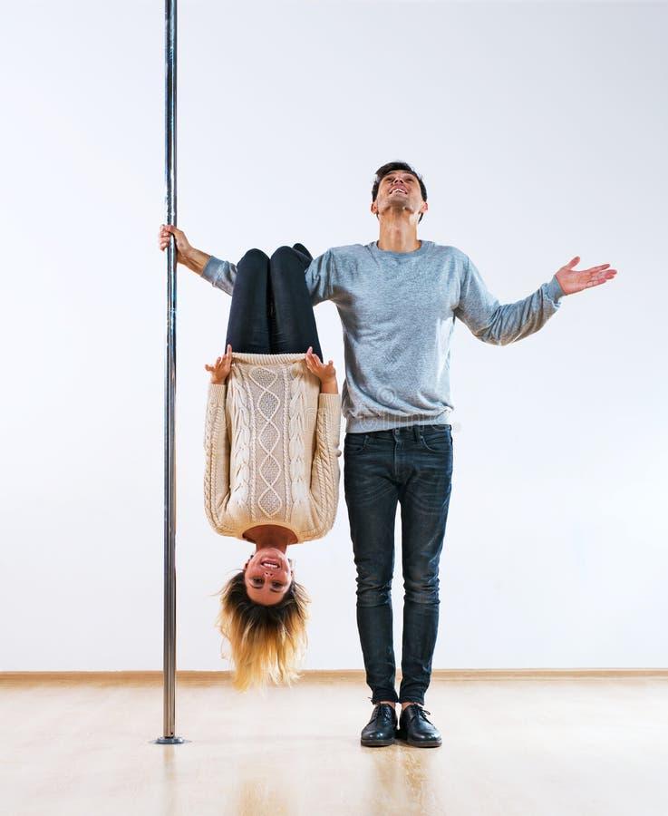 Pole-Tänzerpaare lizenzfreies stockfoto