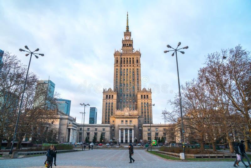 Polen, Warshau - 02 01 2019: Paleis van Cultuur en Wetenschap in Warshau stock afbeeldingen