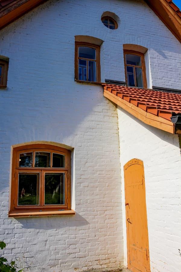 POLENOVO, TULA-REGION, RUSSLAND - AUGUST 2014: Abbey Abbatstvo - Werkstatt V d Polenov Landsitz ` Borok-` oder ` Polenovo-` lizenzfreie stockfotos
