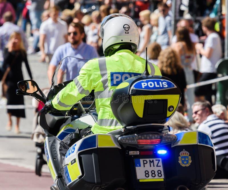 Policía sueca de la motocicleta en Estocolmo Pride Parade 2015 foto de archivo libre de regalías