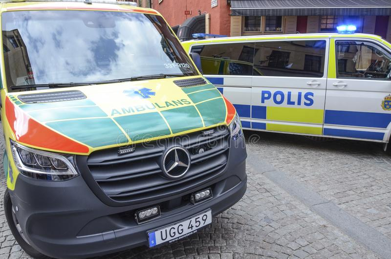 Policía y servicios médicos, Estocolmo, Suecia foto de archivo