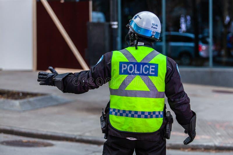 Police assurant la sécurité à une protestation photographie stock libre de droits