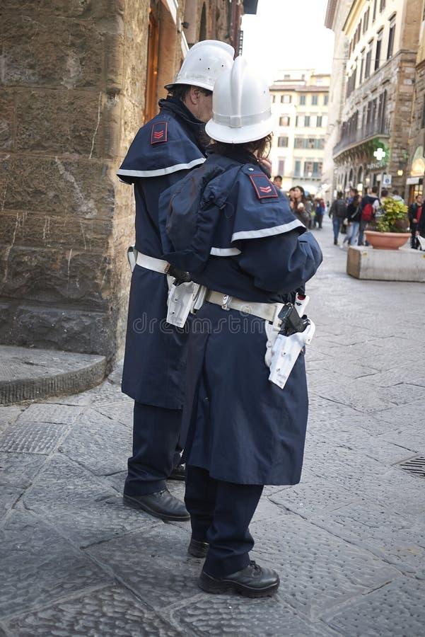 Policier de trafic et policière photo libre de droits