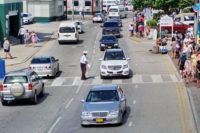 Policier en uniforme sur Grand Cayman photographie stock libre de droits