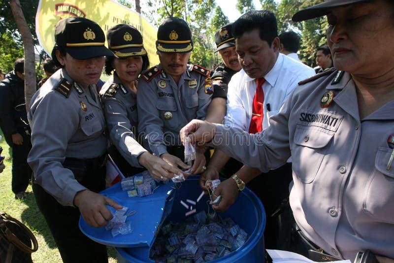 Policja niszczy petardy obrazy royalty free