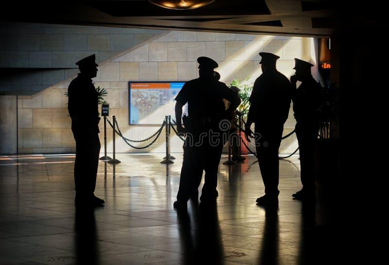 Policjanci przy zjednoczenie stacją Los Angeles zdjęcie stock
