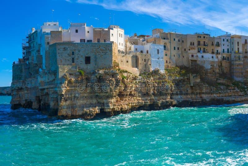 Polignano конематка (БА, Италия): рай на земле стоковое фото rf