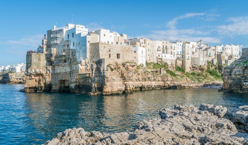 Polignano klacz, Bari prowincja, Apulia, południowy Włochy fotografia royalty free