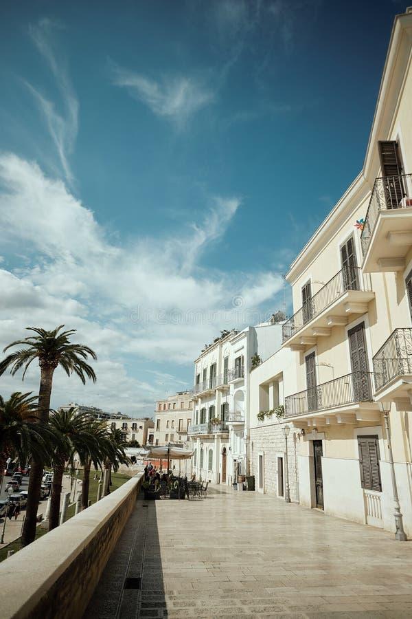 Polignano a Mare, ciudad en Italia a orillas del mar imagen de archivo libre de regalías