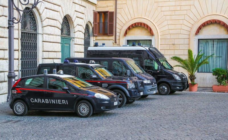 Polisbil i italiensk huvudstad Rome arkivfoton