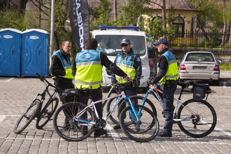 Polisen på cyklar royaltyfri fotografi