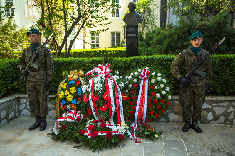 Polish soldiers at ceremony of laying flowers to monument to Hugo Kollataj. KRAKOW, POLAND - OCT 3, 2015: Polish soldiers at ceremony of laying flowers to stock image
