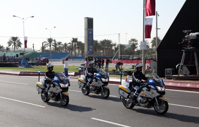 Polismotorcyklar på militären ståtar i Doha royaltyfria foton