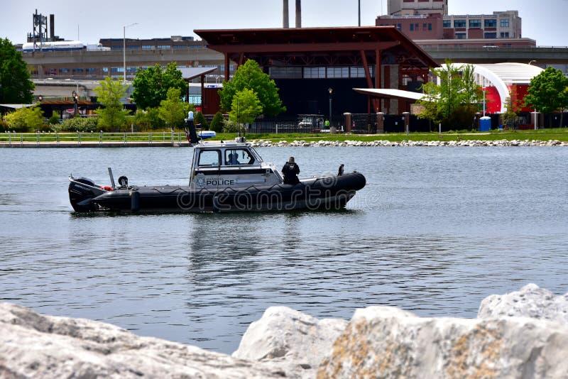Polispatrullen Milwaukee parkerar Lakeshore royaltyfri bild