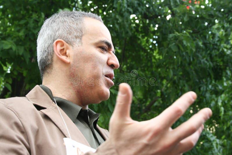 Politicien le champion Garry Kasparov d'échecs du monde à protester à l'appui de Khodorkovsky image libre de droits