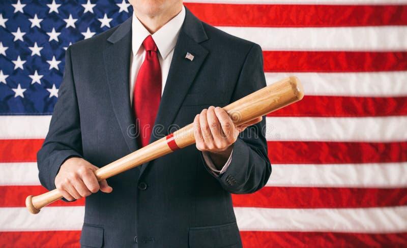 Politicus: Het houden van een Honkbalknuppel als Waarschuwing royalty-vrije stock foto's