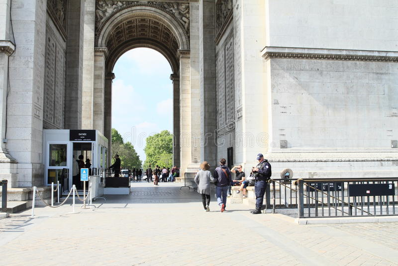 Politie op Arc de Triomphe stock fotografie