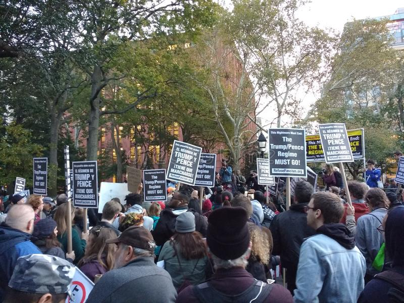 Politieke Verzameling, het Protest van het Afvalfascisme, Washington Square Park, NYC, NY, de V.S. stock afbeelding