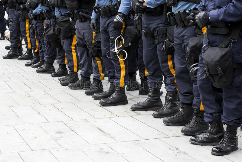 Politiemannen bij Republikeinse Nationale Overeenkomst stock foto