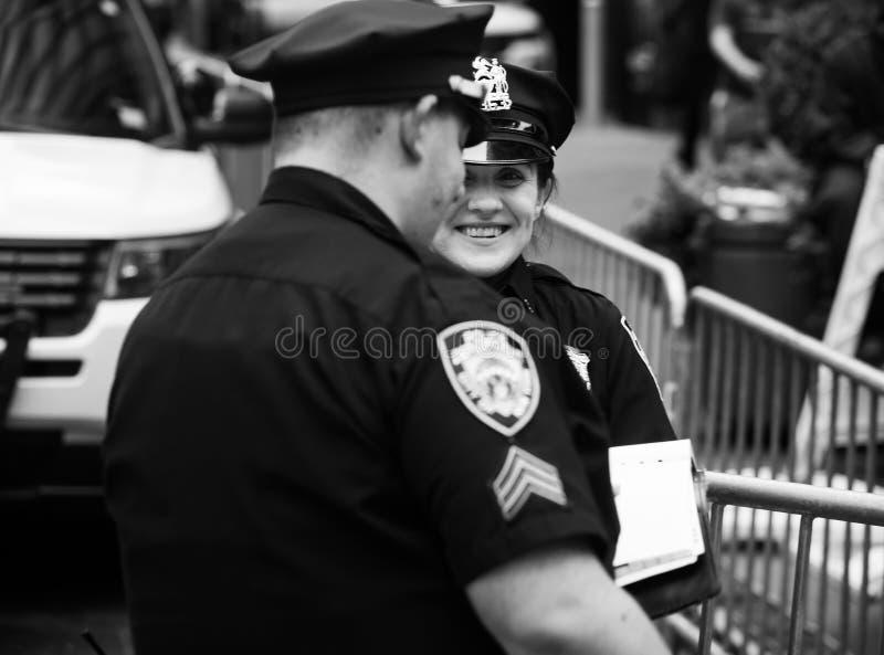 Politiemannen in NYC royalty-vrije stock afbeelding