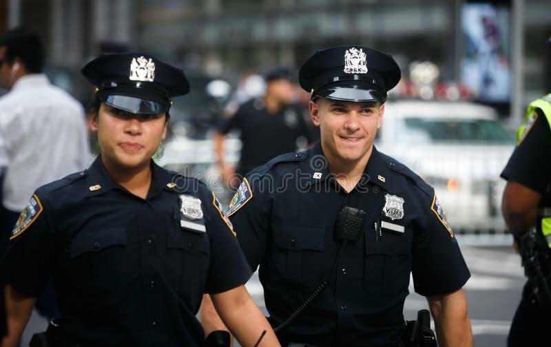 Politiemannen op de straten van Manhattan royalty-vrije stock afbeelding