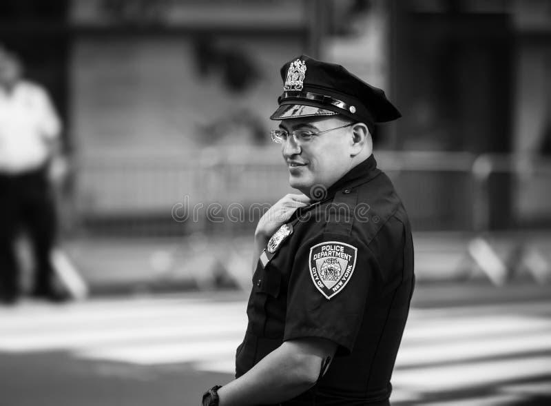 Politiemannen op de straten van Manhattan stock afbeeldingen