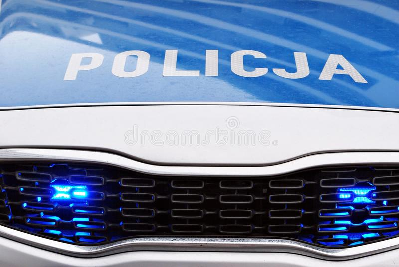 Politiewagen, met volledige serie van lichten Zie uit op een auto stock afbeelding