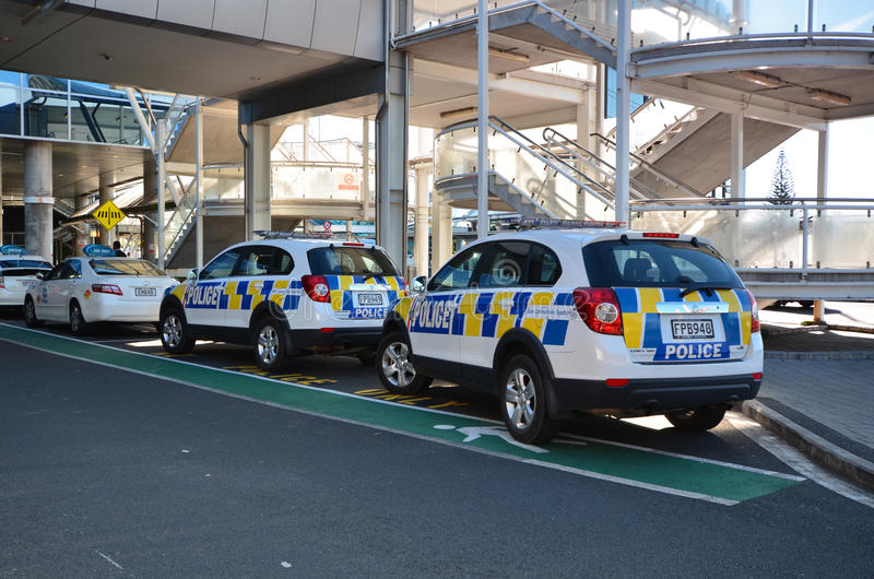 Politiewagens De Internationale Luchthaven van Oakland Ergens in Nieuw Zeeland royalty-vrije stock afbeeldingen