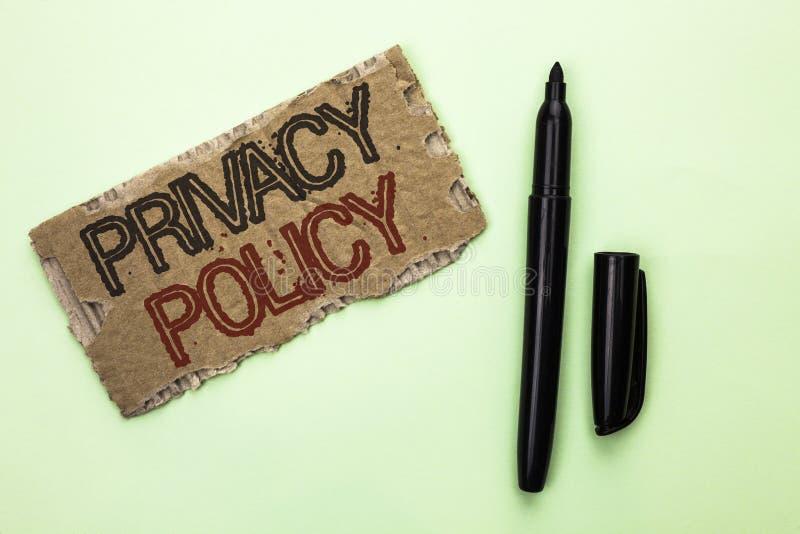 Politik för avskildhet för ordhandstiltext Affärsidé för för informationssäkerhet om dokument som skydd för data förtroligt är sk royaltyfri fotografi