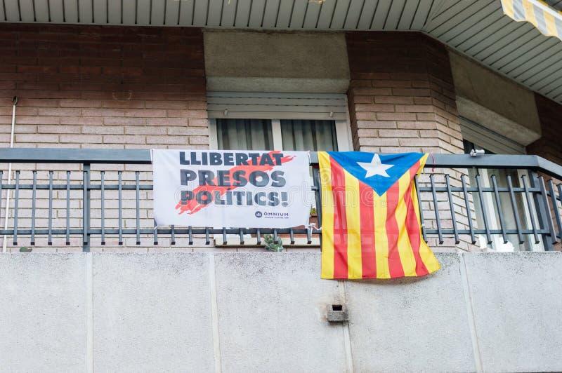 Politik-Freiheit Llibertat Presos für politische Gefangene und Estelada Estelada ist nicht offizielle katalanische Flagge lizenzfreie stockbilder