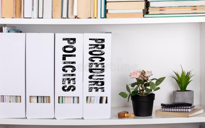 Politik und Verfahrenskonzept Dokumentenordner und -organisatoren stockbilder