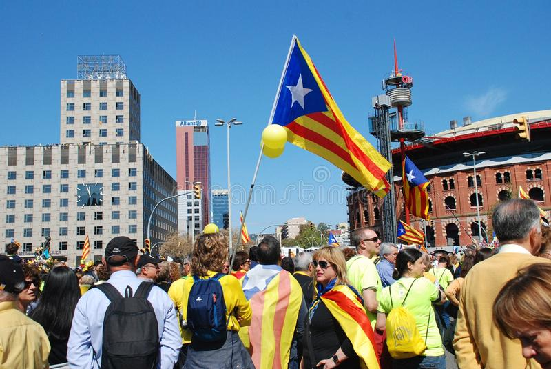 Politikmarsch Llibertat Presos in Barcelona stockbilder
